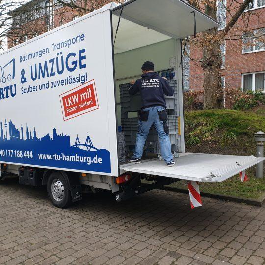 https://www.rtu-hamburg.de/wp-content/uploads/2020/03/LKW_mit_fahrer_mieten_hamburg-540x540.jpg