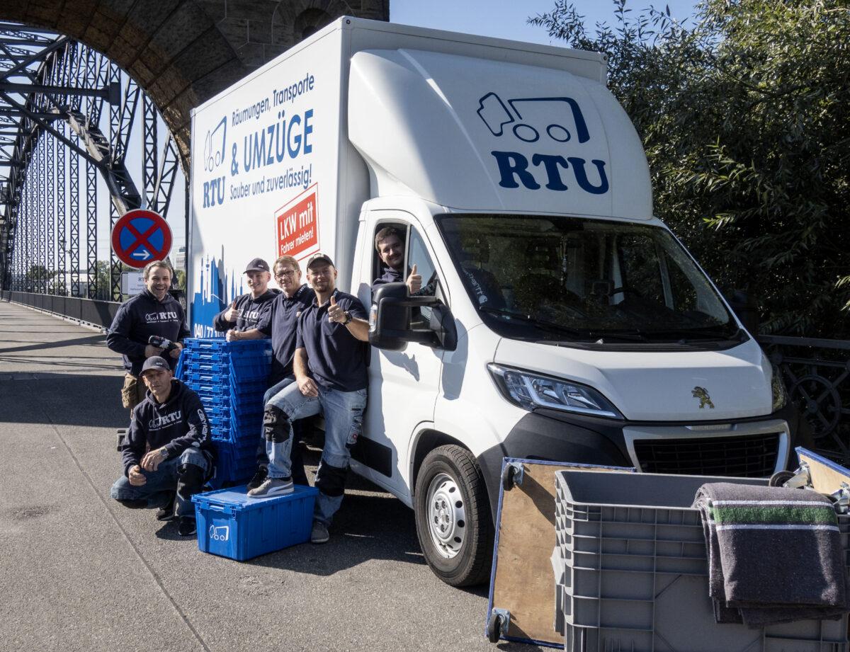 https://www.rtu-hamburg.de/wp-content/uploads/2020/10/Umzugsservice-Hamburg-Team-RTU-1200x921.jpg